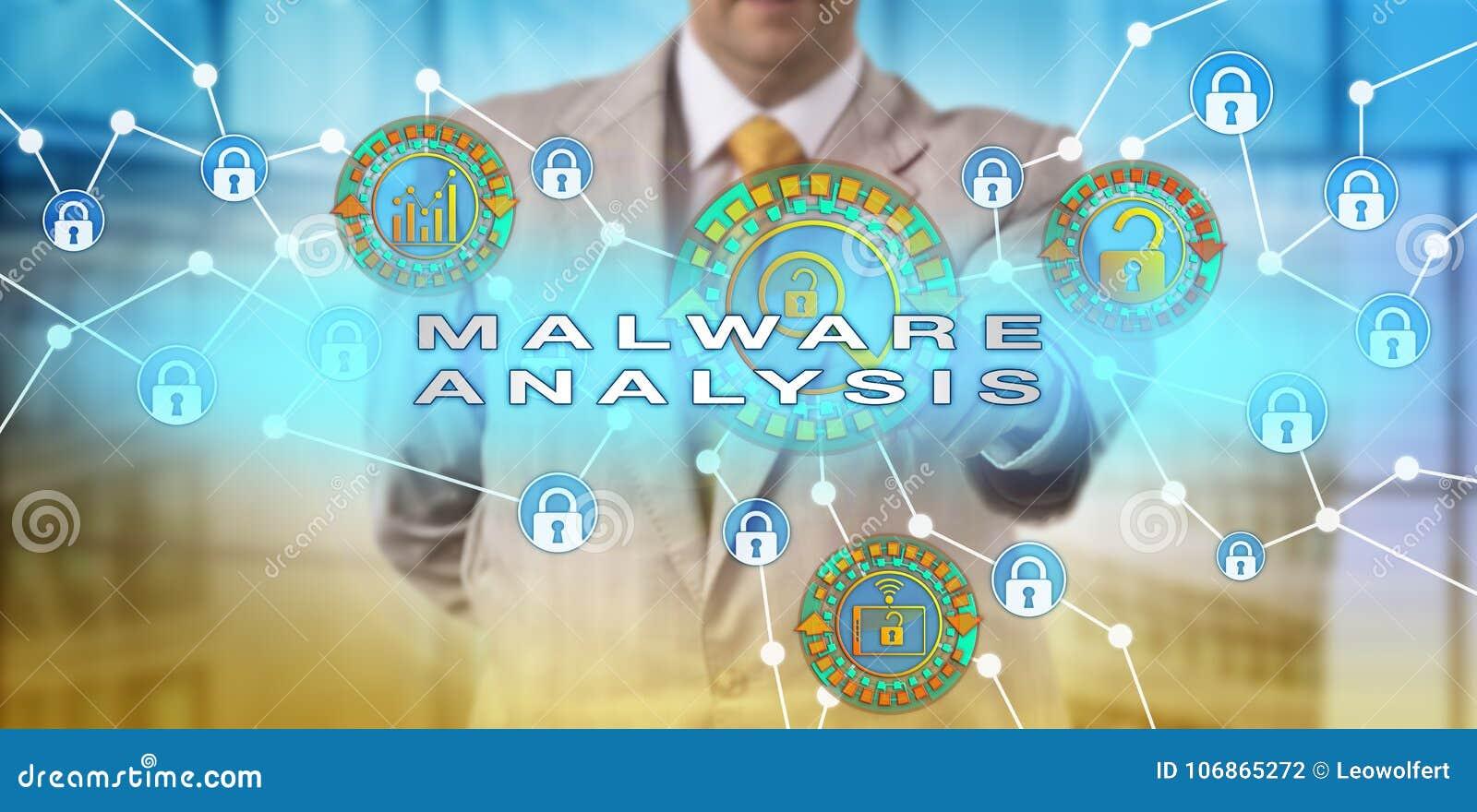 Encargado Performing Malware Analysis del incidente