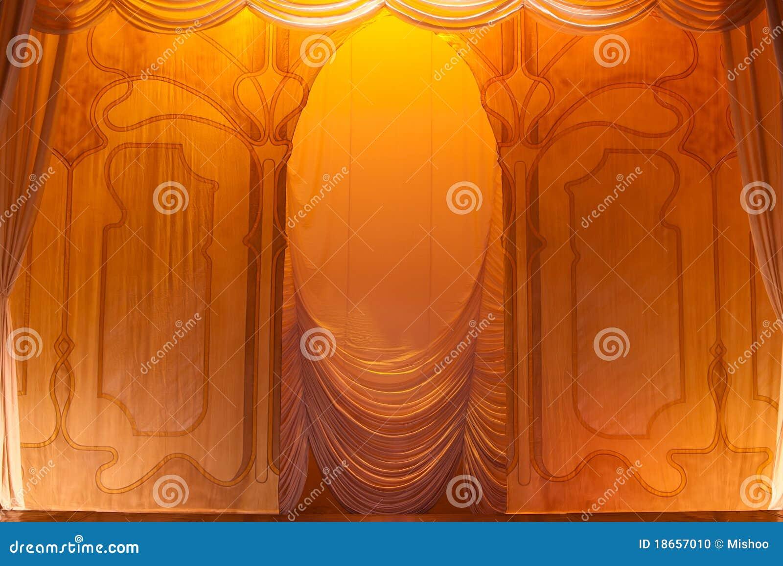 Encene a cortina