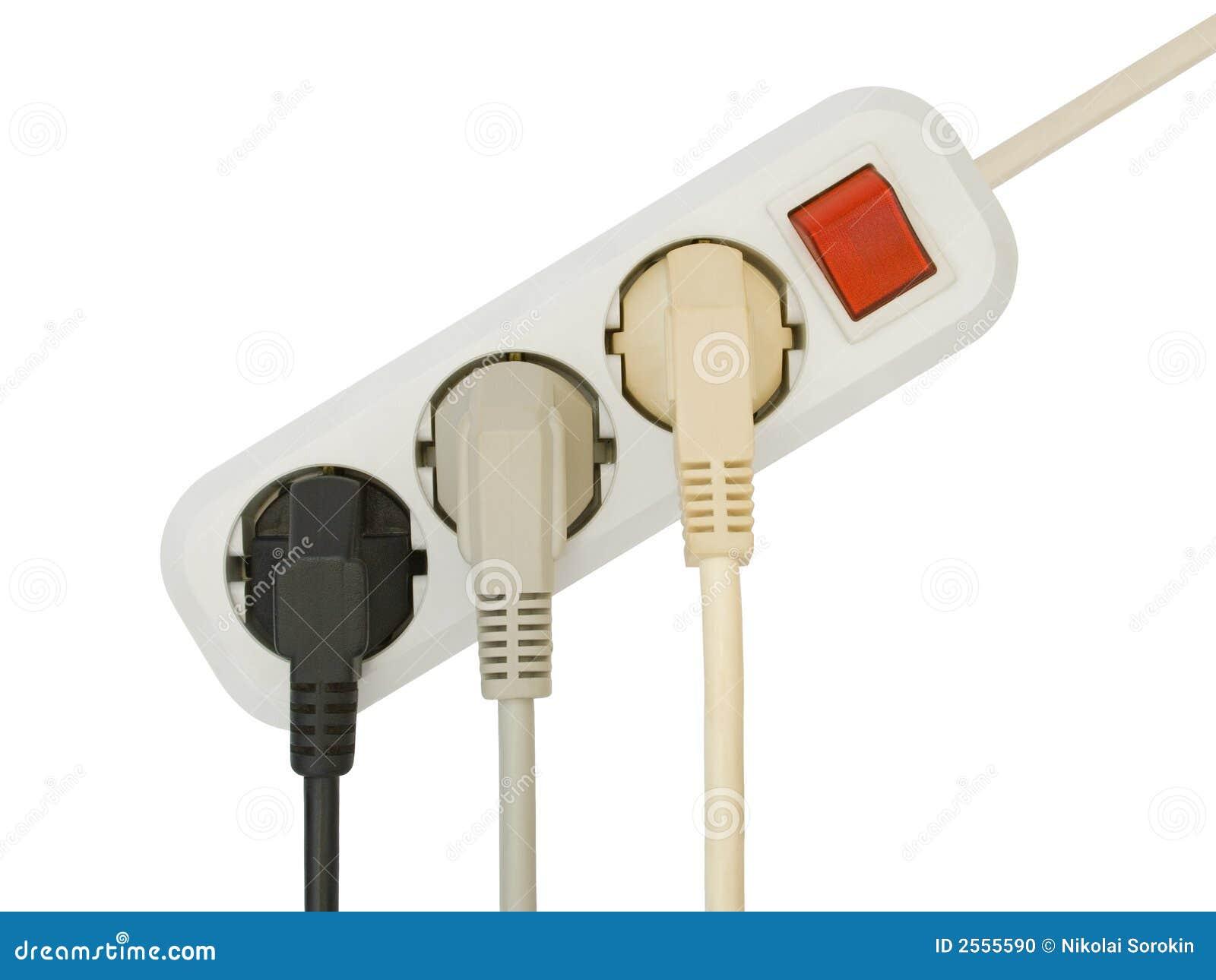Enchufes eléctricos conectados