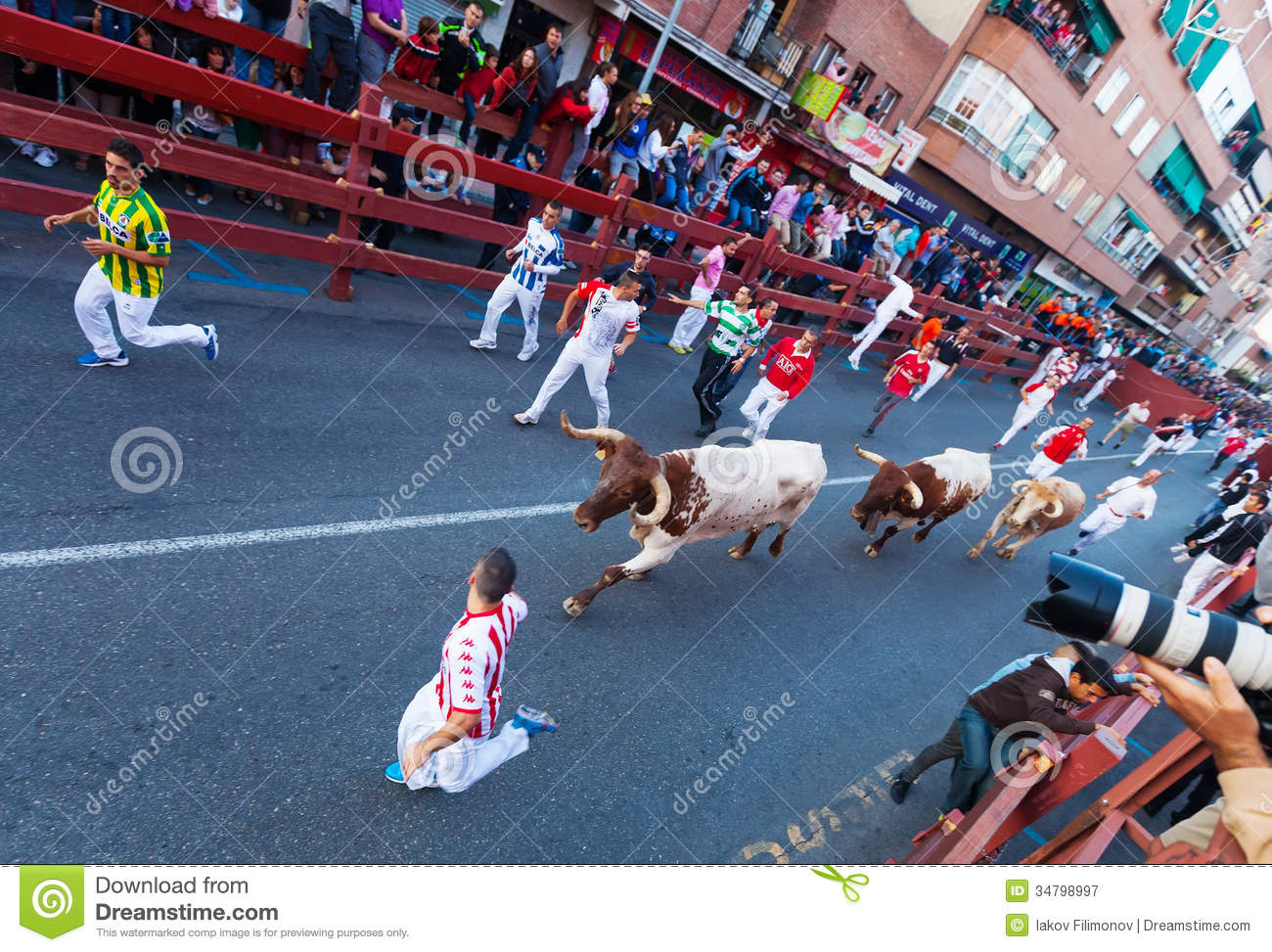 Encierro running of the bulls editorial photography for Cerrajeros san sebastian de los reyes