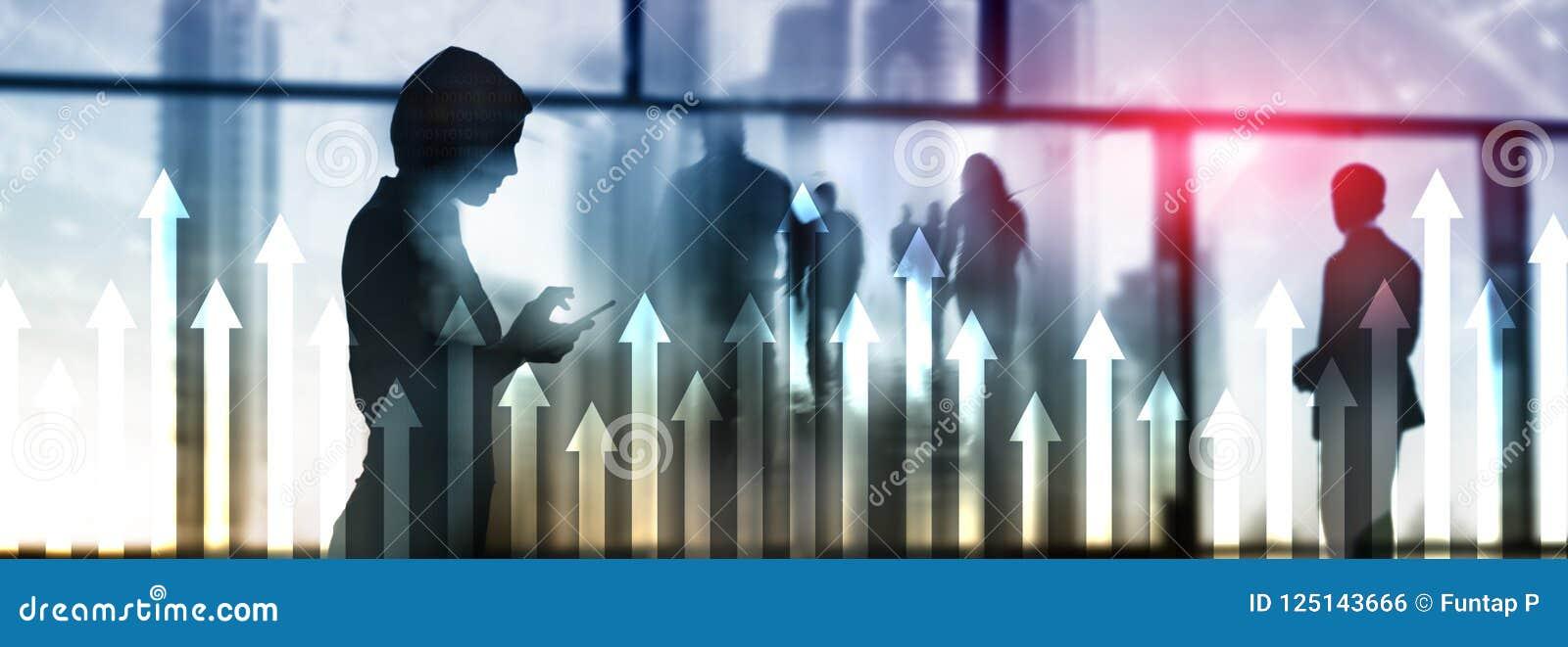Encima de gráfico de la flecha en fondo del rascacielos Invesment y concepto financiero del crecimiento