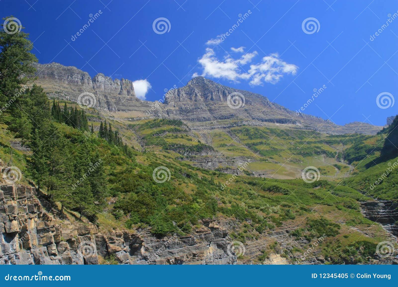 encoche de mur rideau image stock image du montagnes 12345405. Black Bedroom Furniture Sets. Home Design Ideas