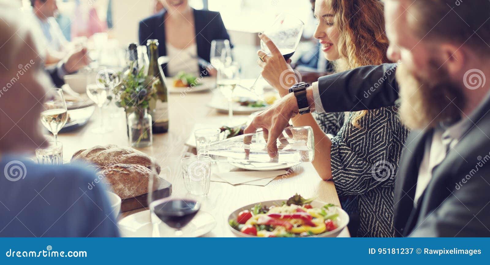 Encontro comendo o partido da culinária da discussão