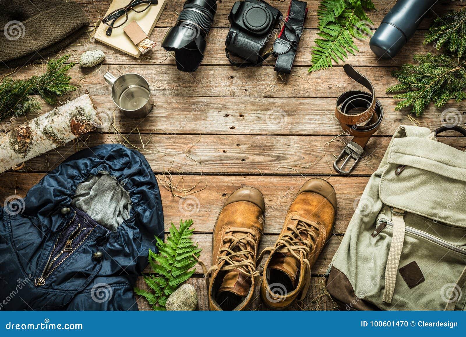 Endecha del plano del concepto del paisaje del viaje el acampar o de la aventura