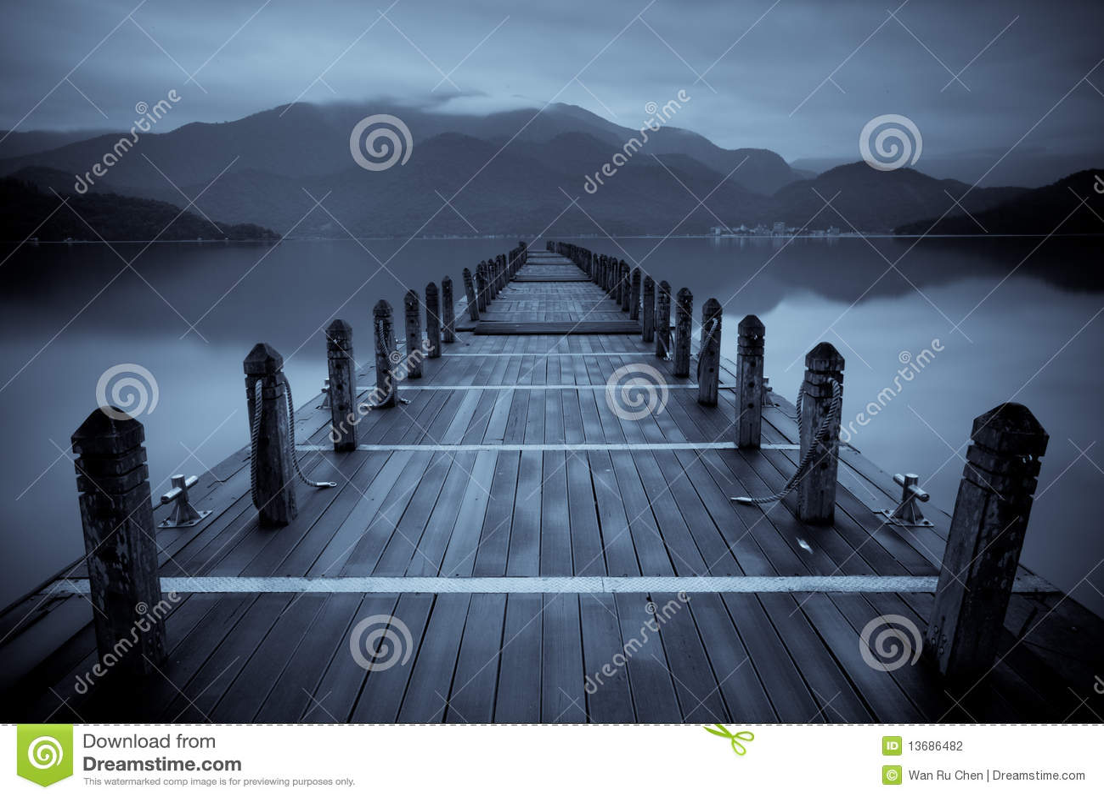 Endless mist lake