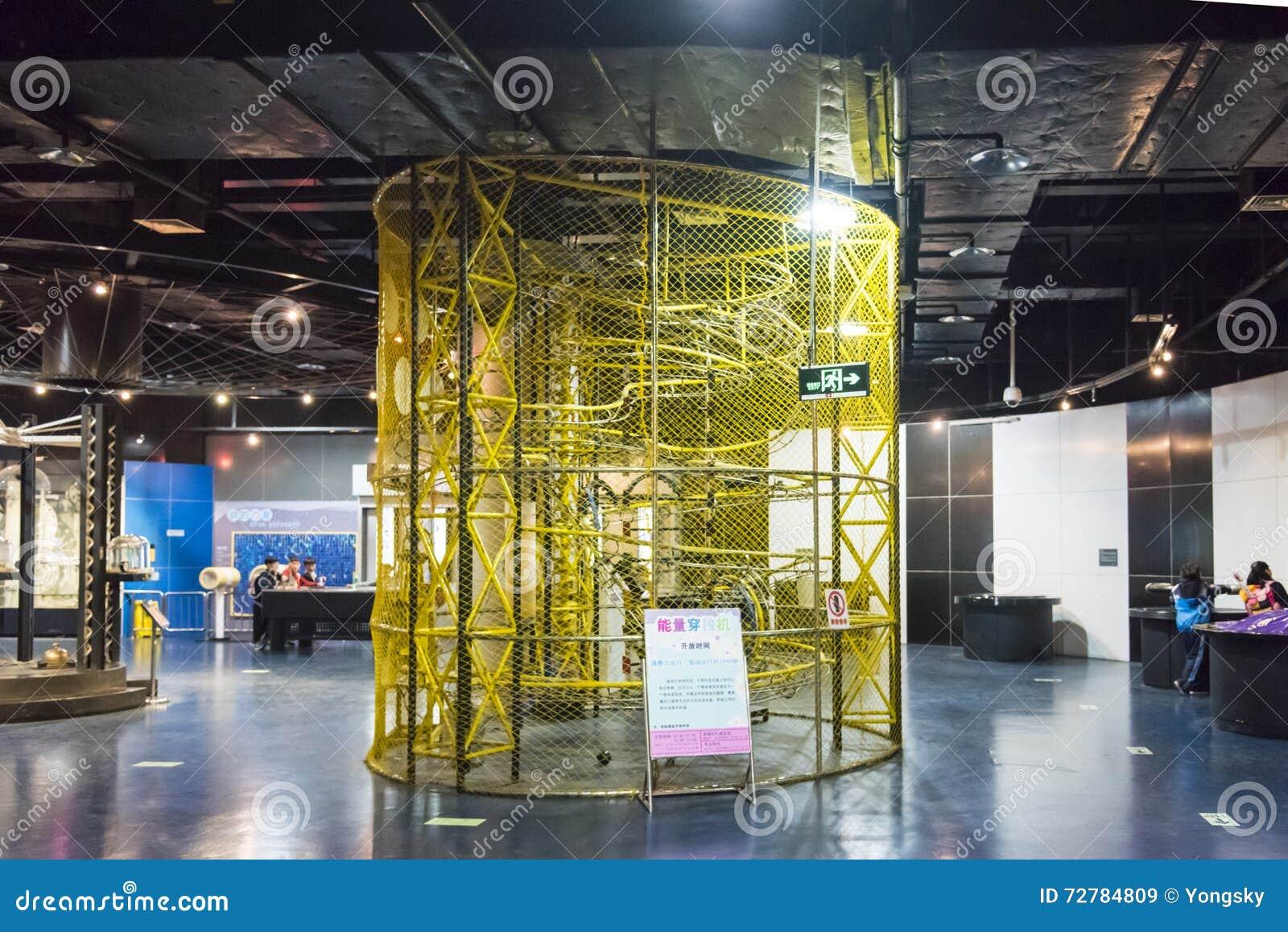 Energianslutning i styrka och mekaniskt utställningområde