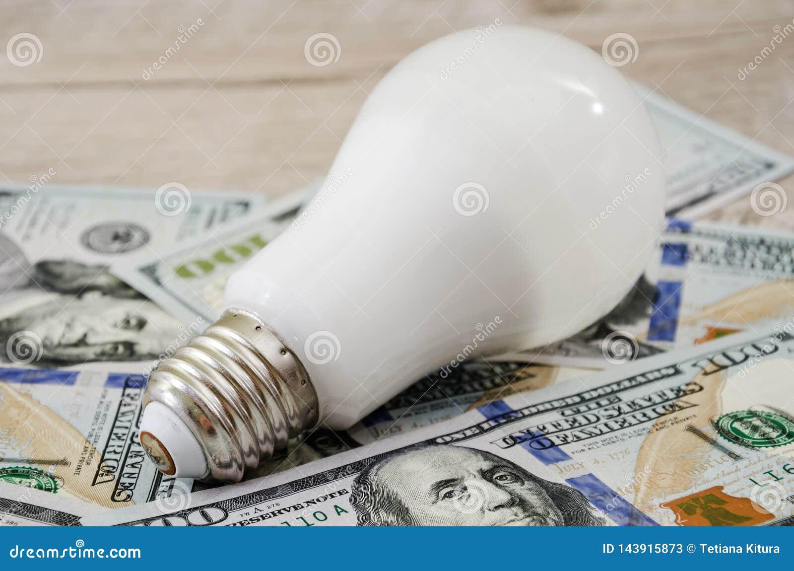 Energie - besparingsbol op dollars