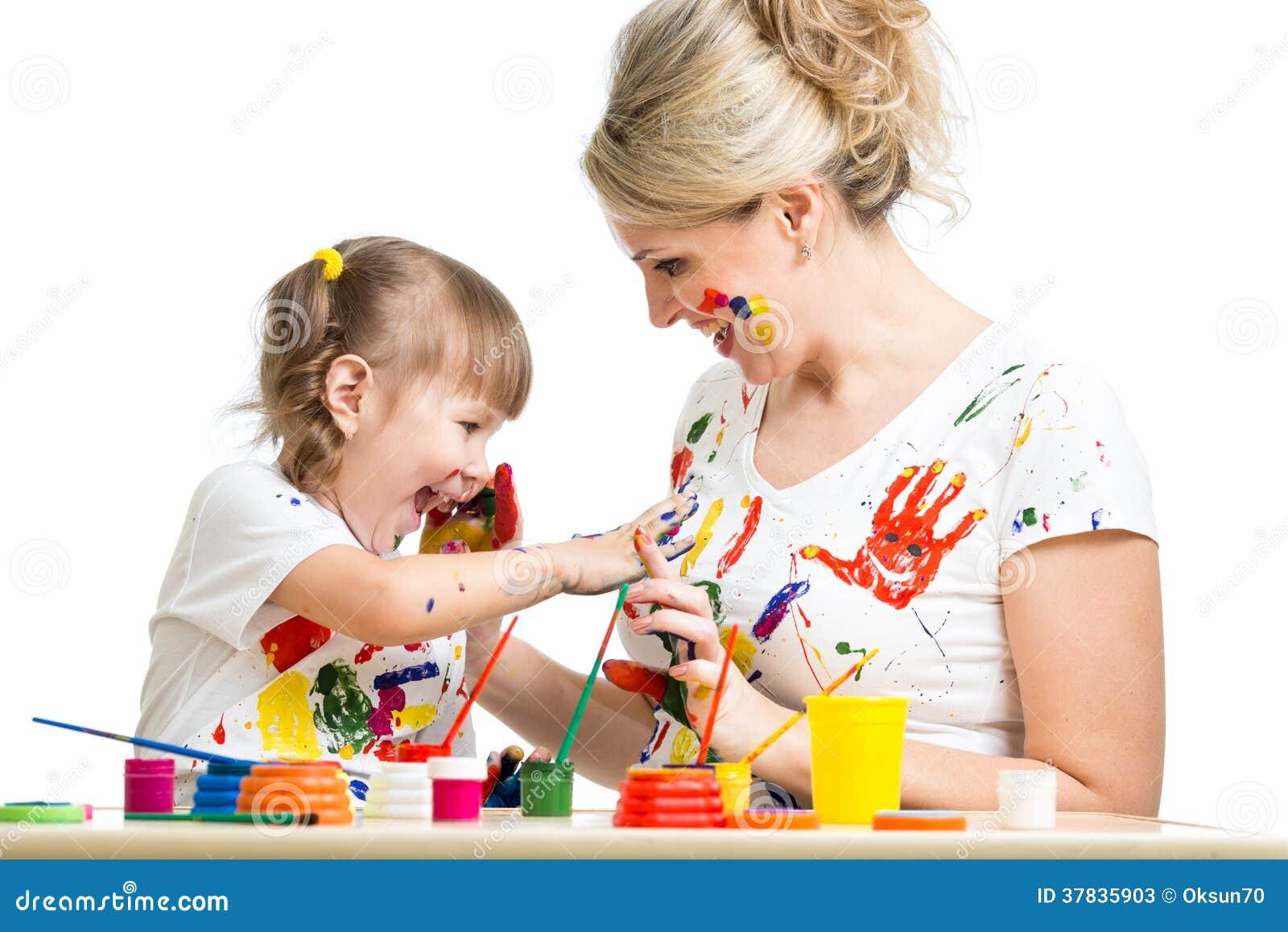 enfant avec la peinture de parent ensemble image stock image du adorable amusement 37835903. Black Bedroom Furniture Sets. Home Design Ideas