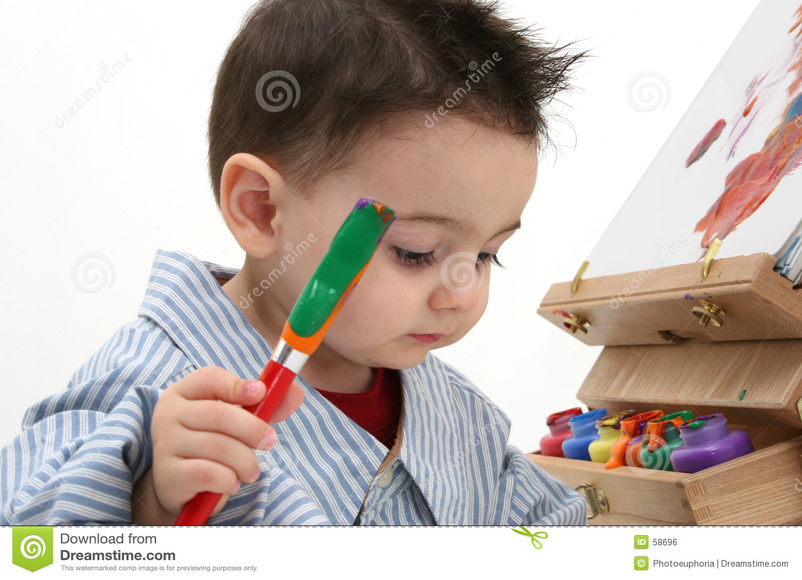 Enfant de garçon peignant 02