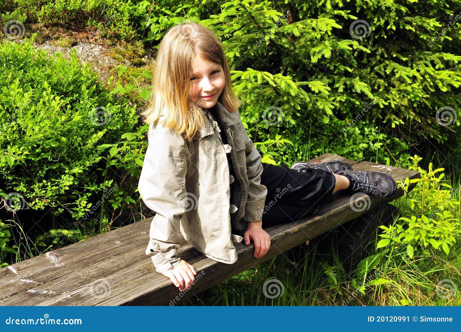 Enfant normal de forêt