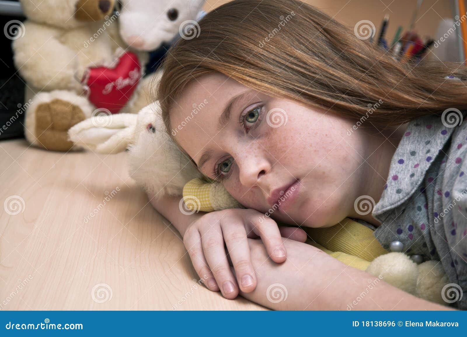 Enfant seul triste