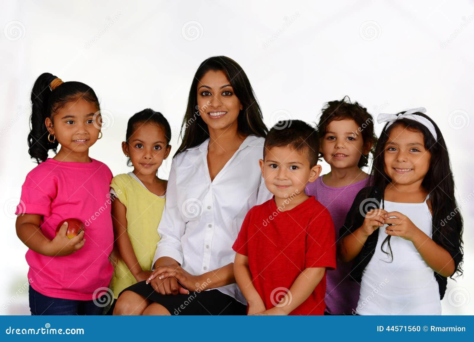 Enfants allant à l école