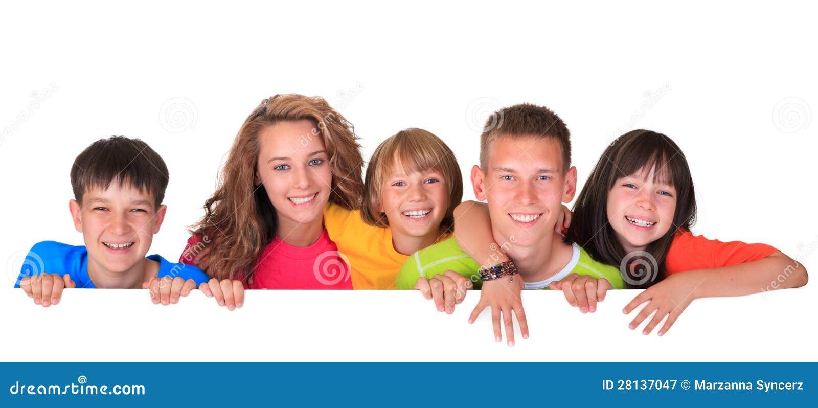 Enfants avec le signe blanc