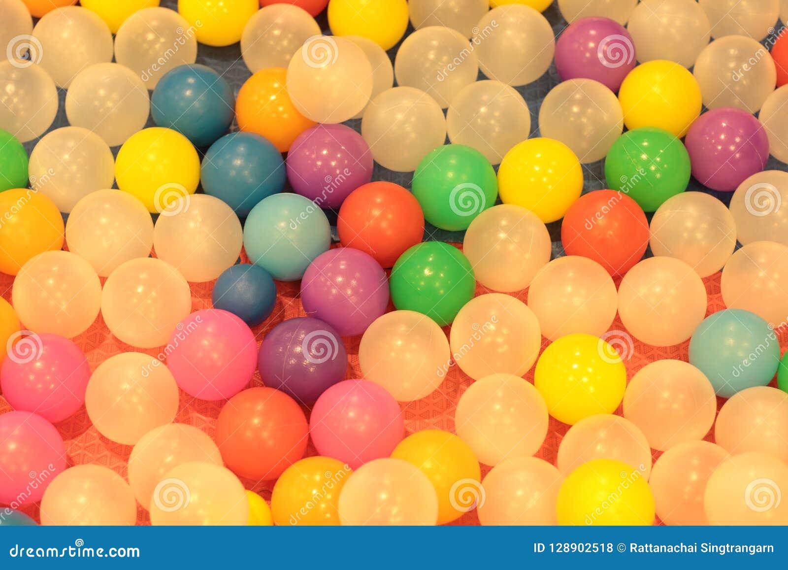 Enfants color?s de boules, ?tang en plastique de boule de jardin d enfants dr?le