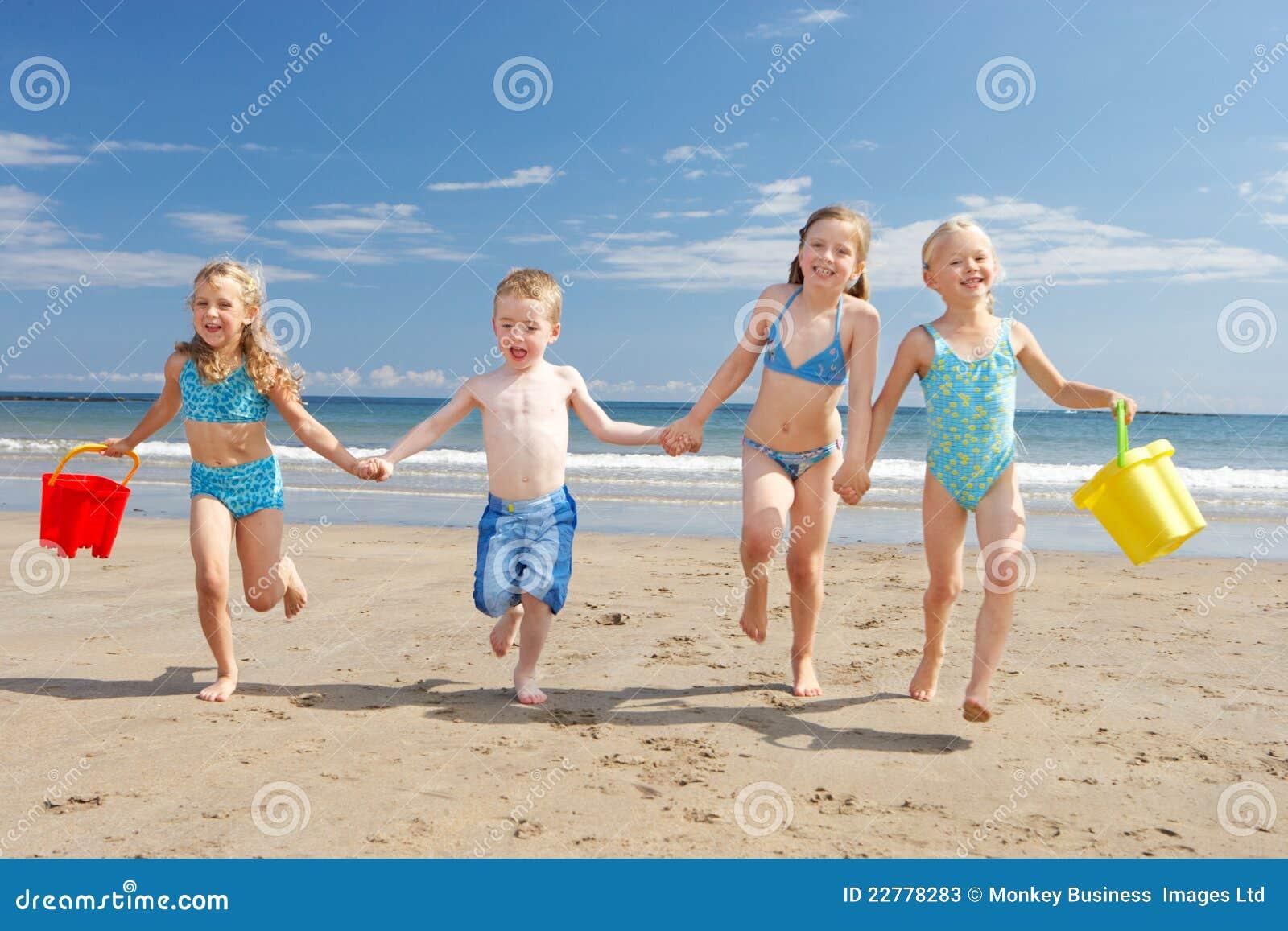 Enfants des vacances de plage