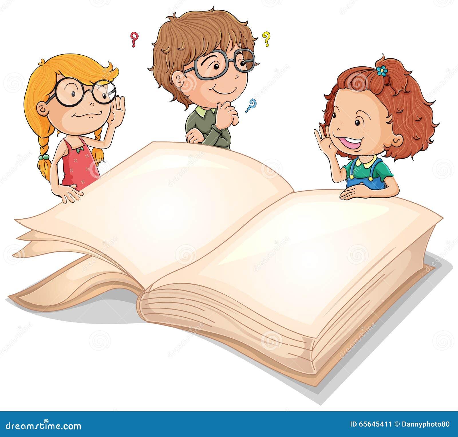 Enfants et livre géant