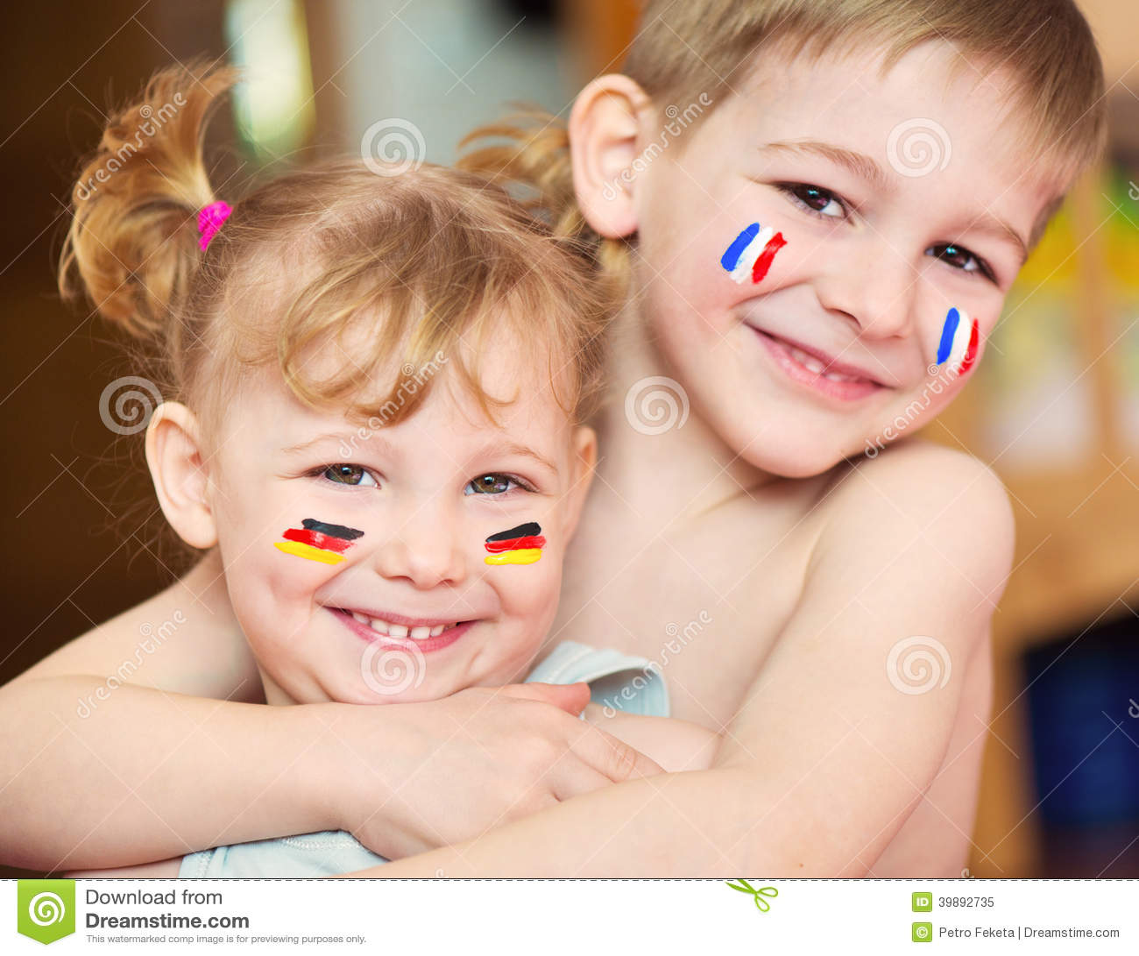 Enfants europ ens photo stock image 39892735 for Europeanhome com