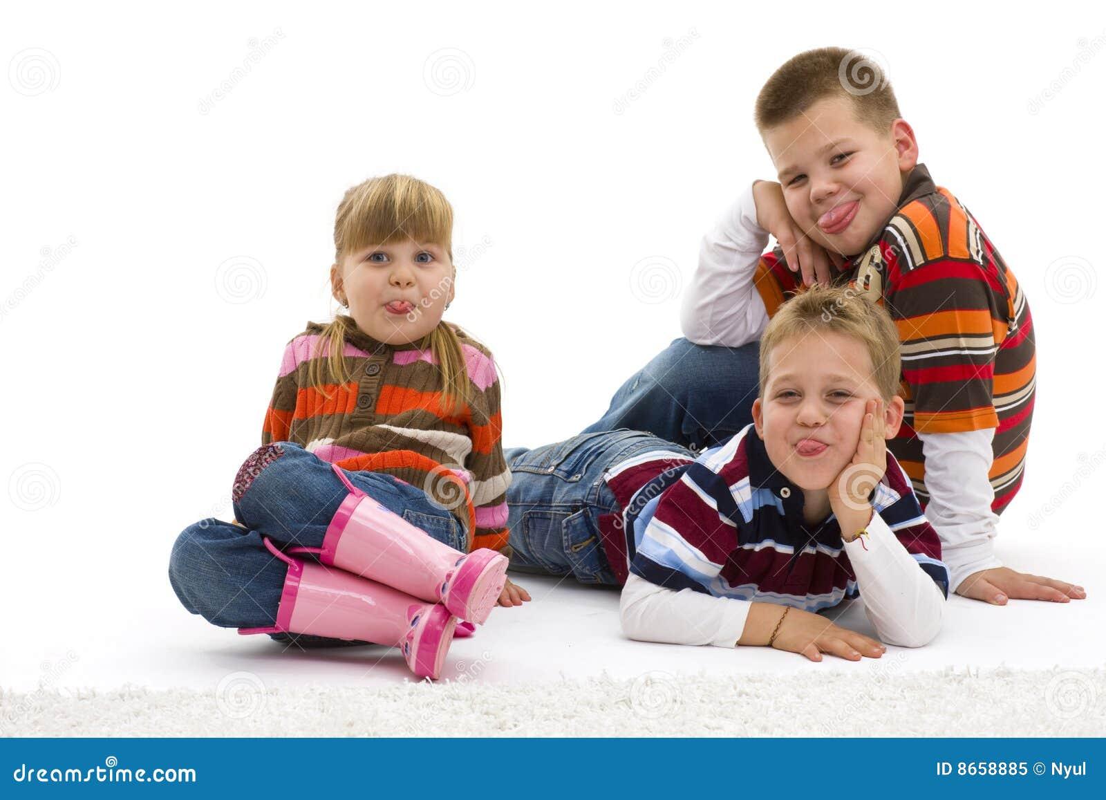 Enfants raillant