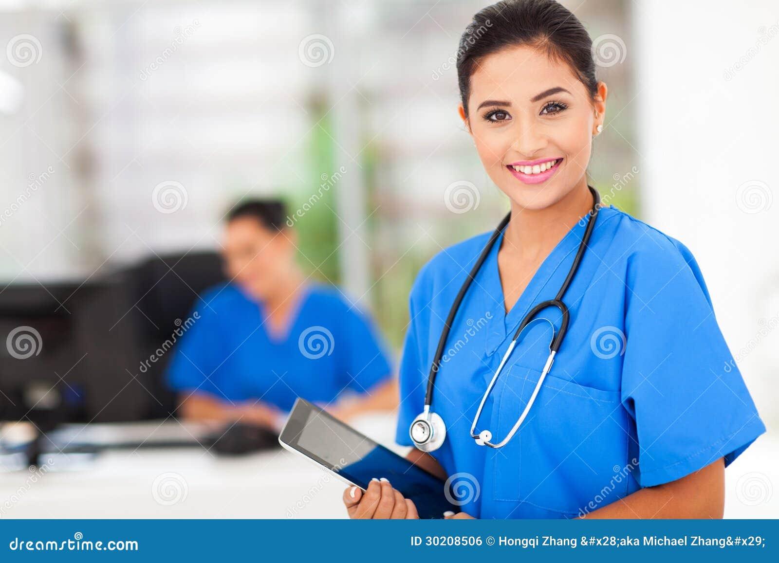 Tableta femenina de la enfermera