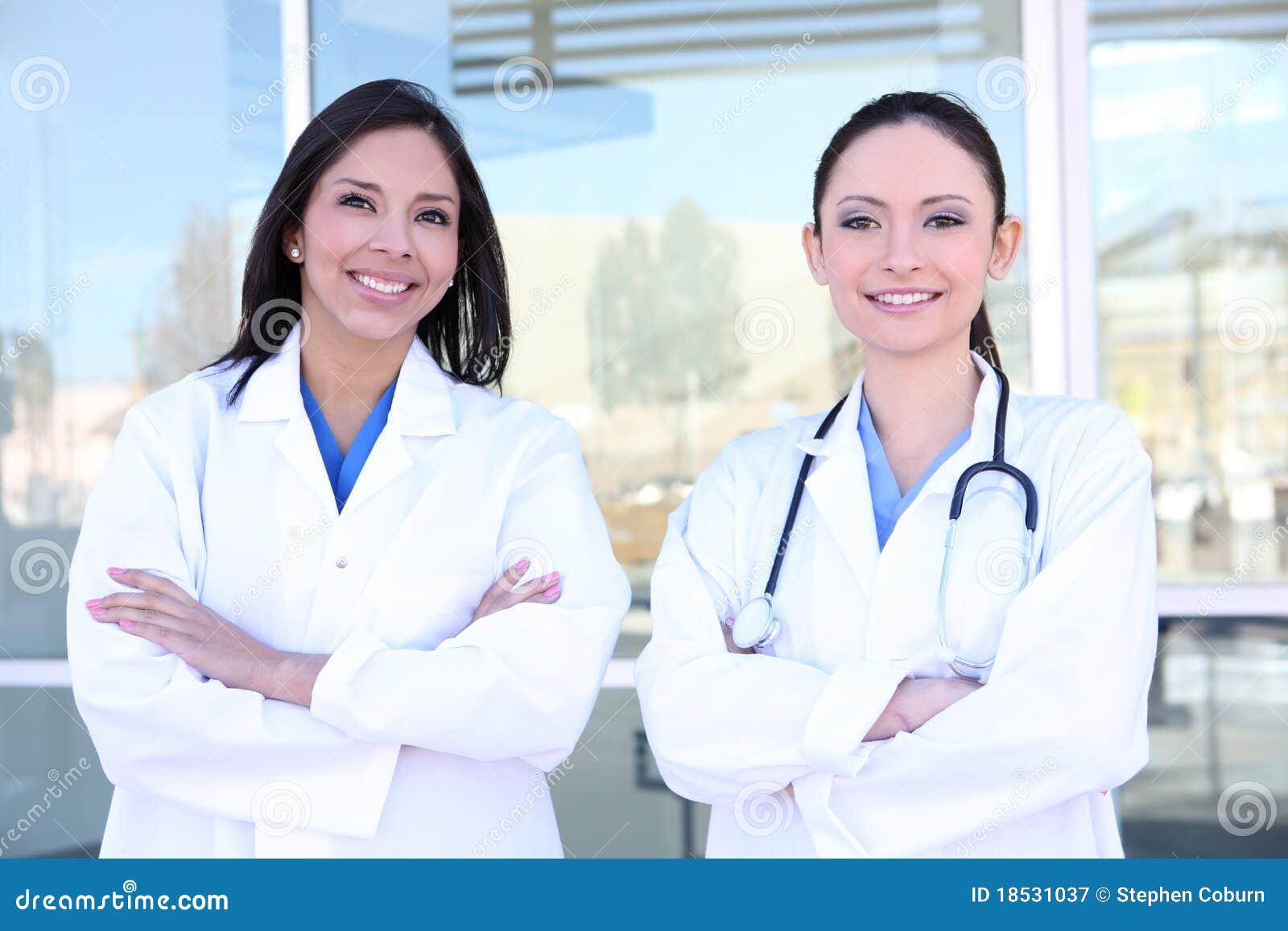 Enfermeras Bonitas De La Mujer Imagen De Archivo Imagen De