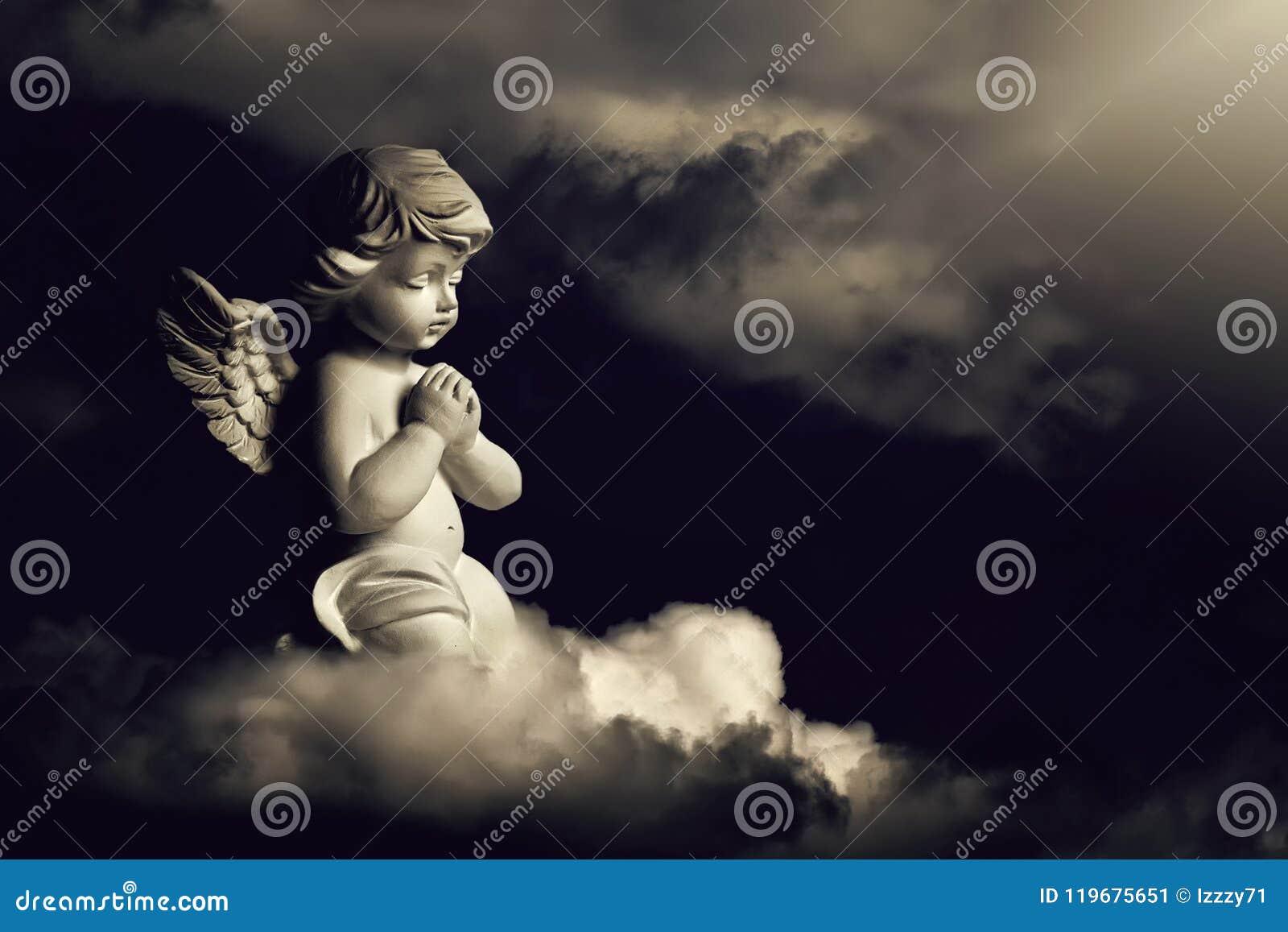 Engel op de wolk