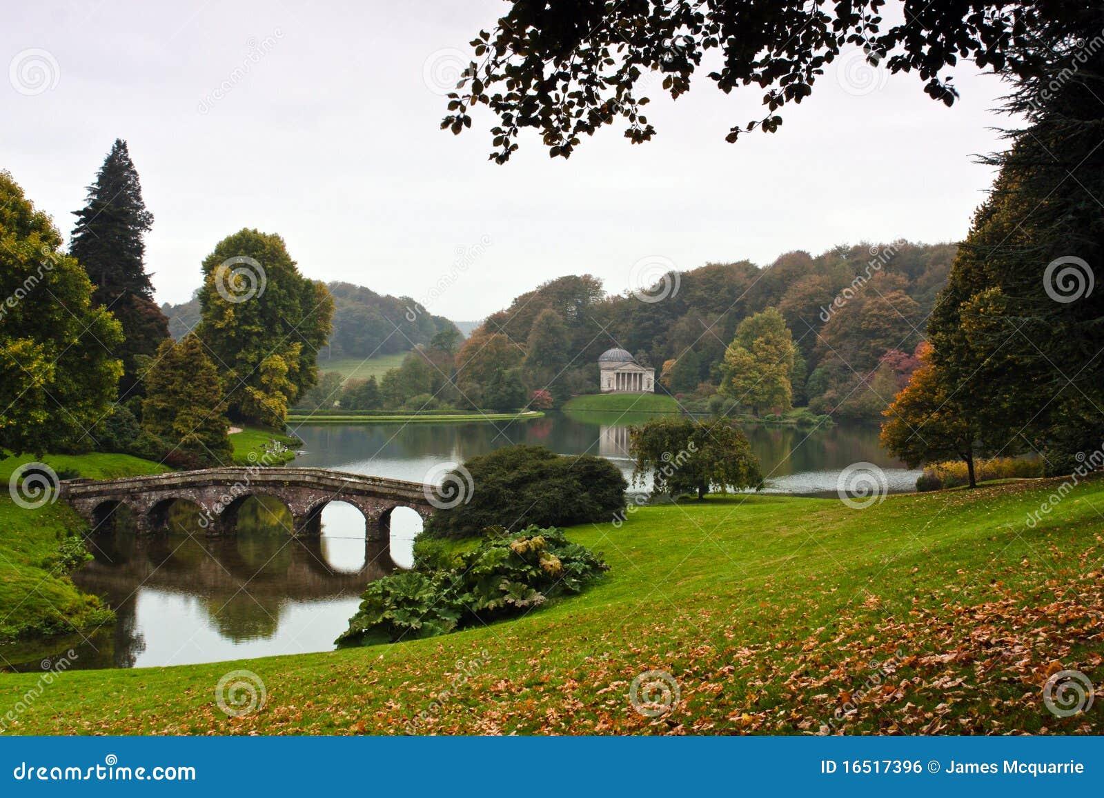 Engelse tuin stock foto afbeelding bestaande uit engels 16517396 - Tuin van de tuin ...