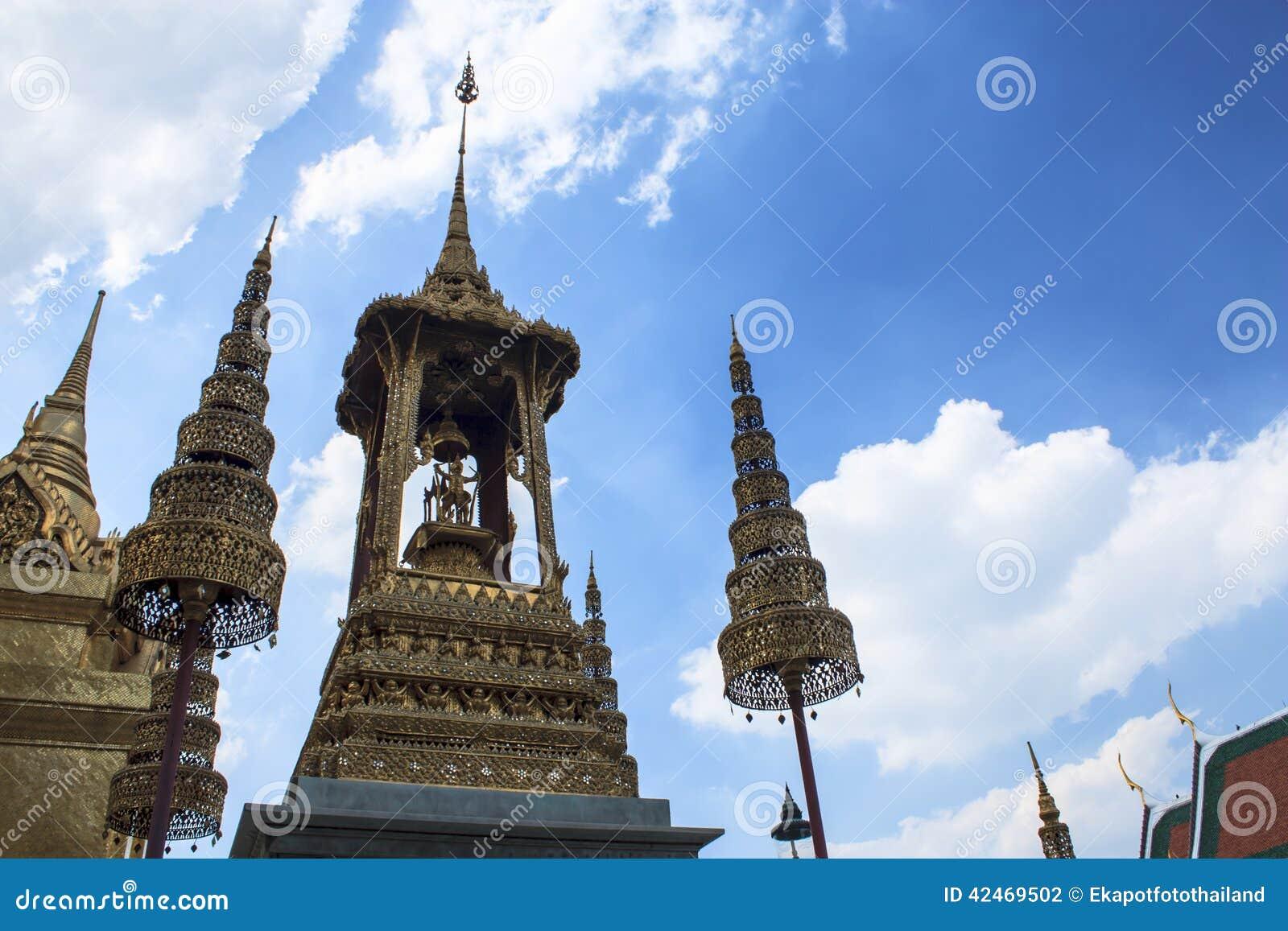 Engelsstatue im Buddhismus