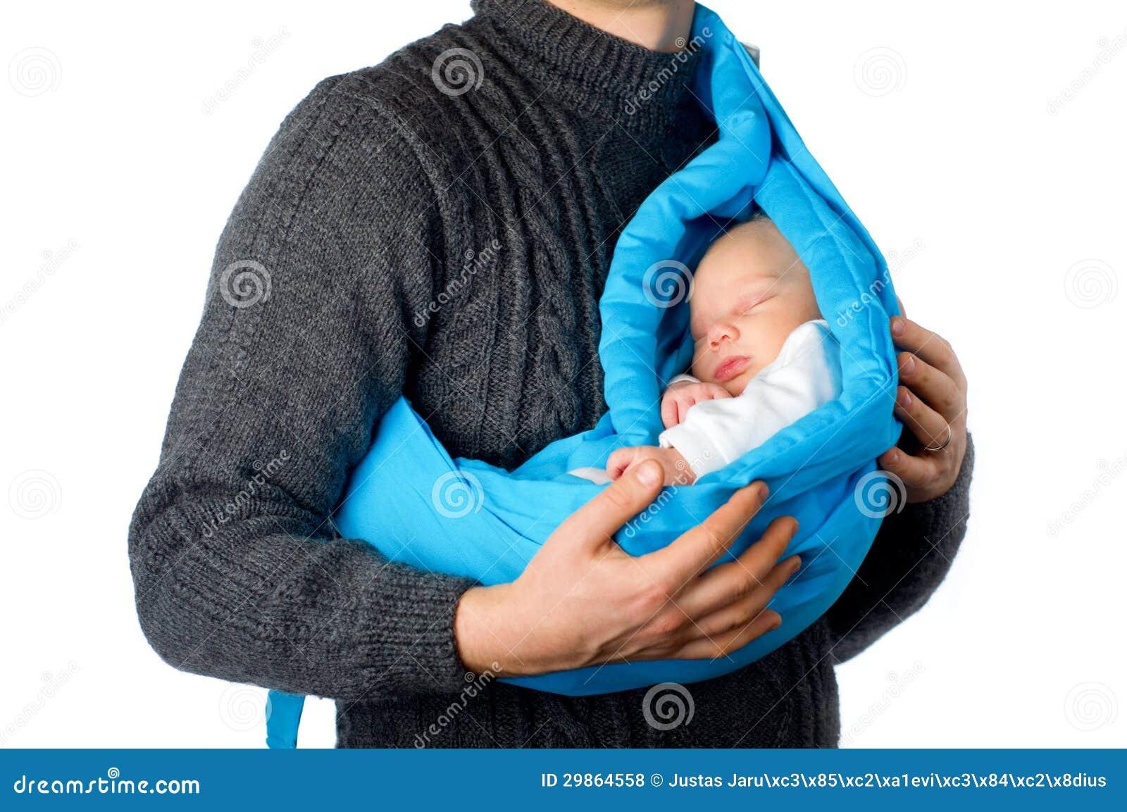 Père avec le petit bébé