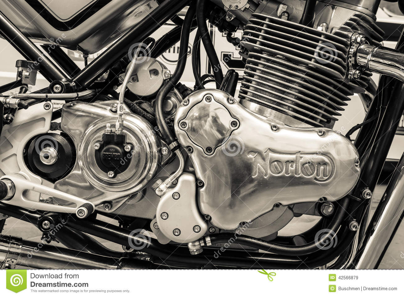 engine of a sports motorcycle norton commando 961 cafe. Black Bedroom Furniture Sets. Home Design Ideas