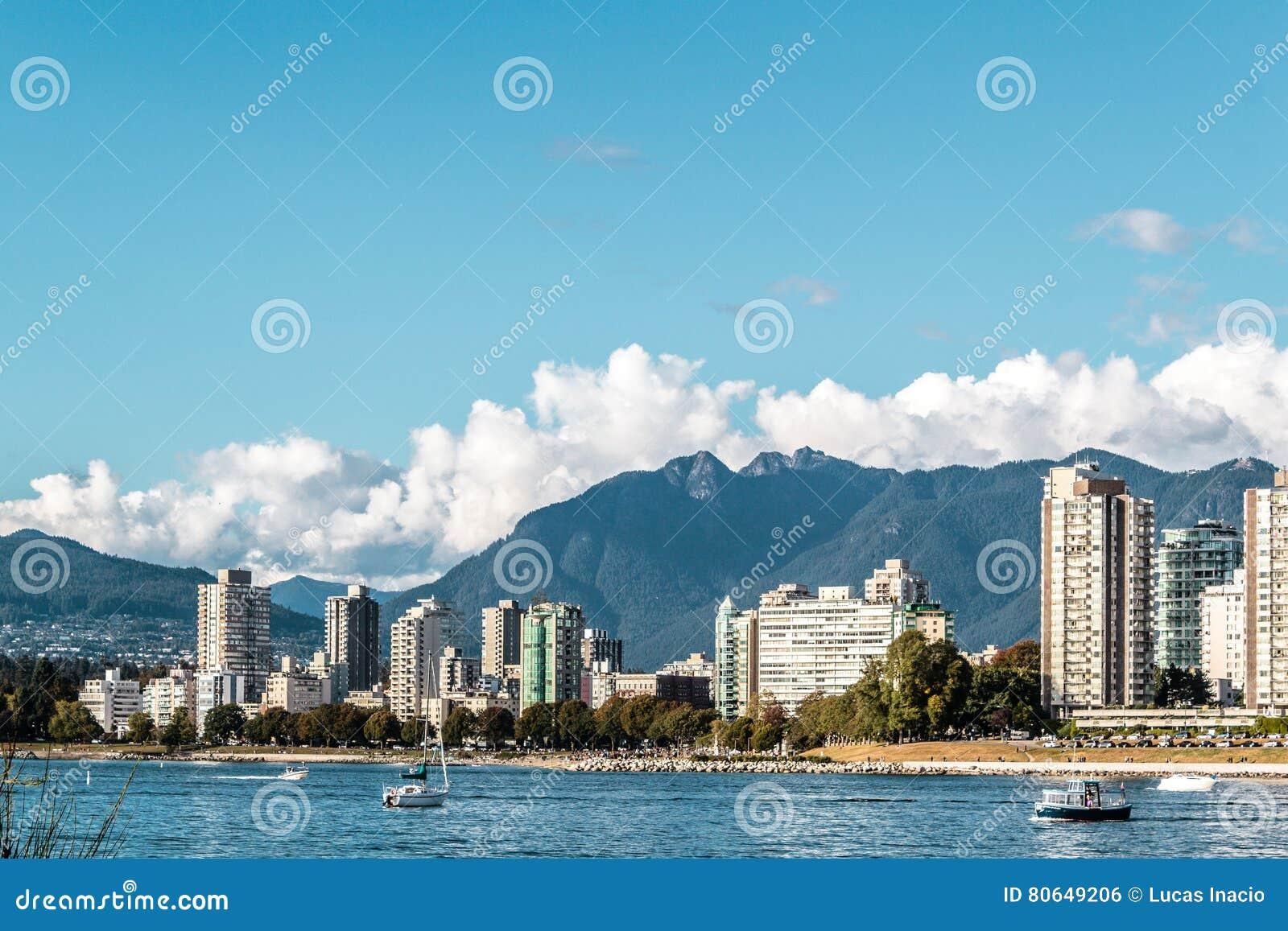 Englische Buchtansicht von Kitsilano-Strand in Vancouver, Kanada