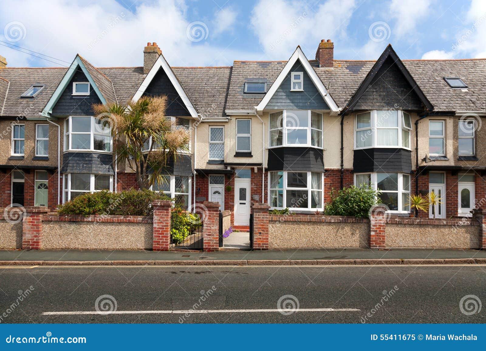 englische stra e von reihenh usern stockfoto bild 55411675. Black Bedroom Furniture Sets. Home Design Ideas