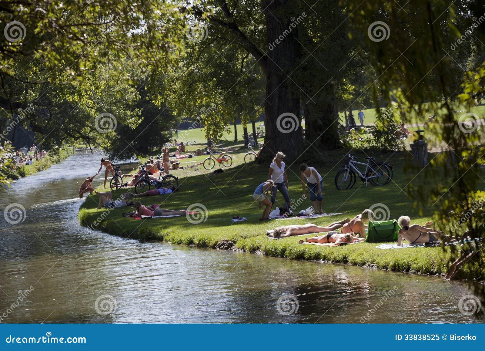 englischer garden editorial image image 33838525. Black Bedroom Furniture Sets. Home Design Ideas