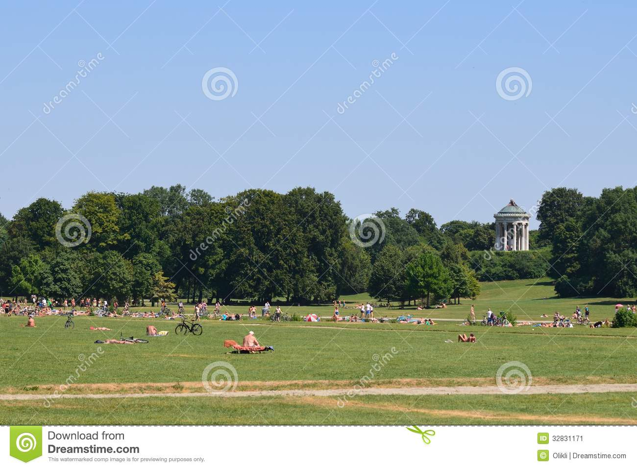 englischer garten munich editorial photo image of temple 32831171. Black Bedroom Furniture Sets. Home Design Ideas