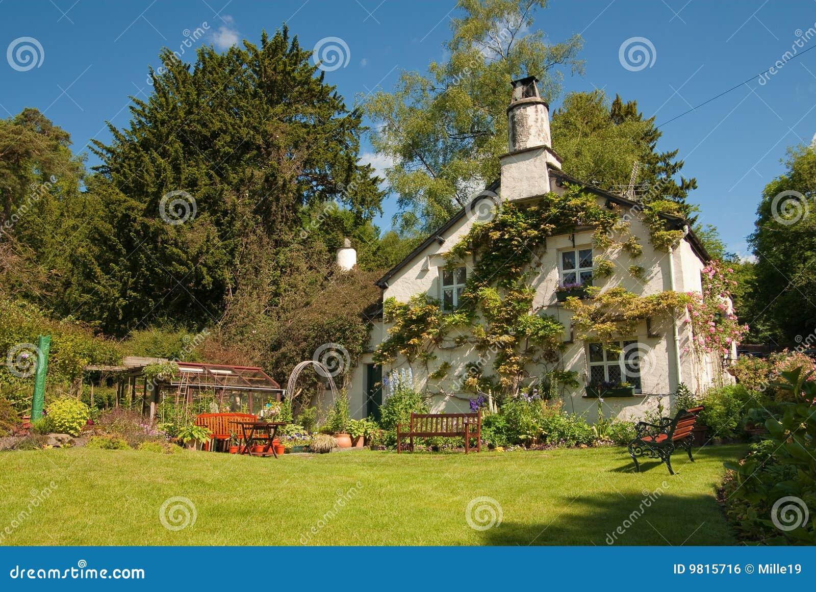 English cottage stock photo. Image of garden, lake, roses - 9815716