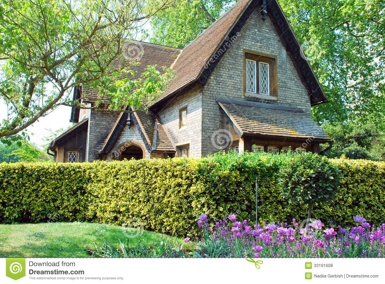 English cottage royalty free stock photos image 33191608 for How to build a cottage home