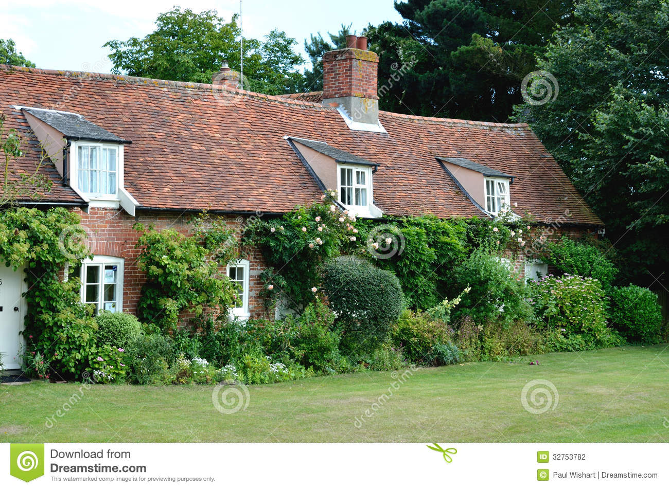 English country cottages stock photography image 32753782 for Cottage inglese perfetto