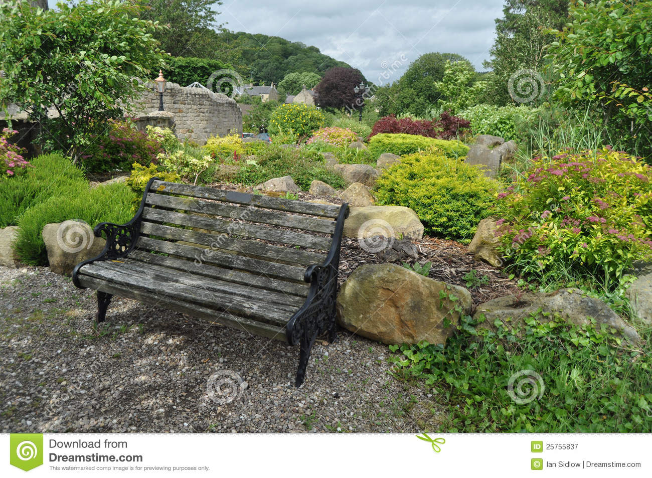 In An English Country Garden Stock Image - Image: 25755837