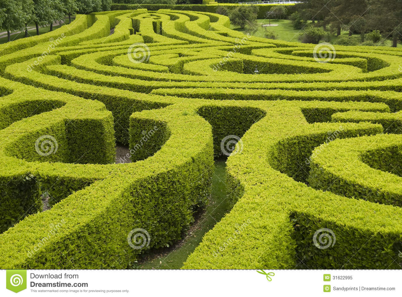English country garden maze stock image image 31622995 for Jardin 5 soles