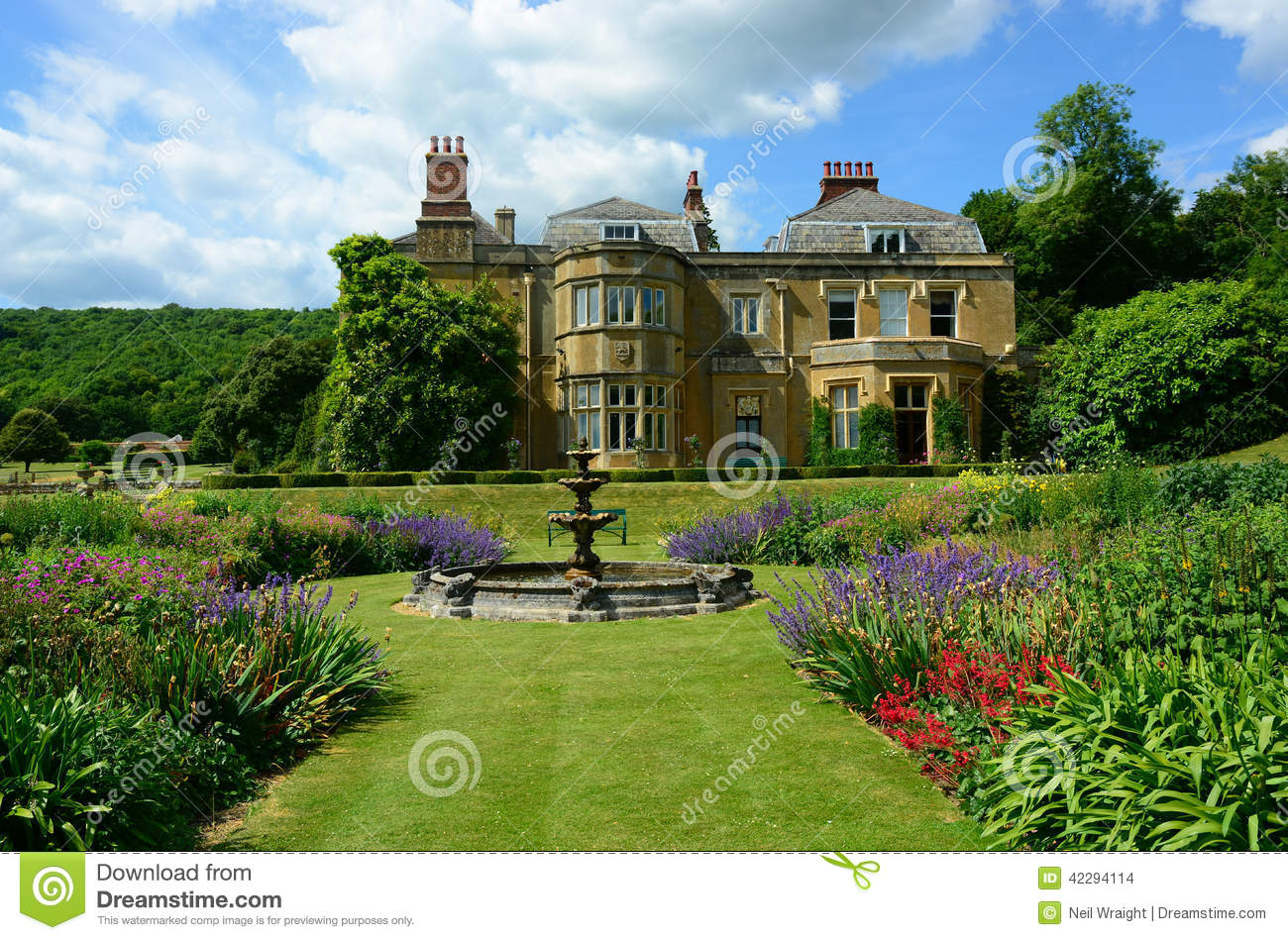 English country house stock photo image 42294114 for The tuxedo house