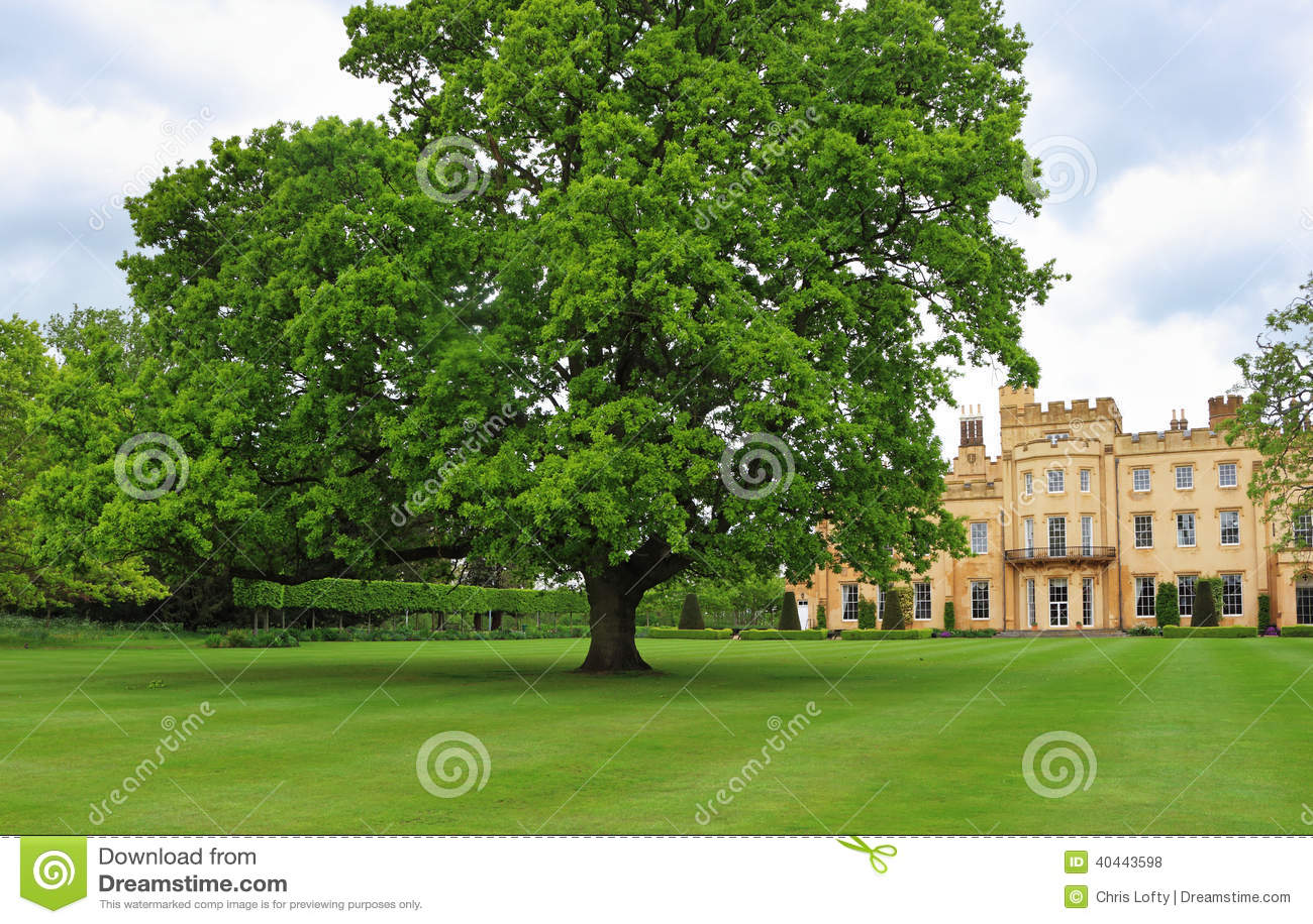 English Country Manor House Stock Photo - Image: 40443598