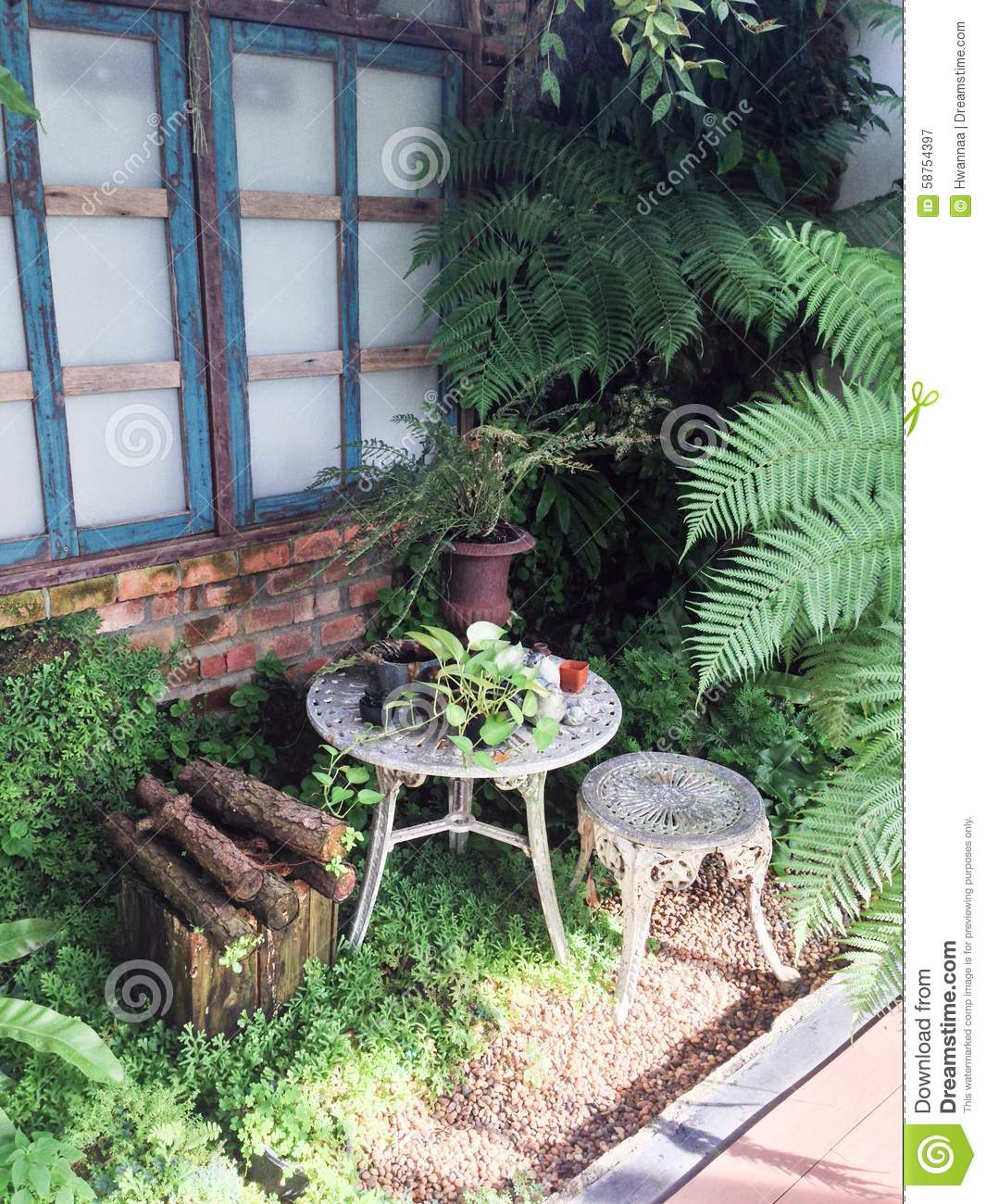 English Garden Decoration