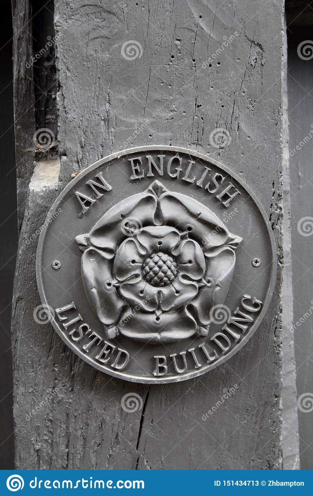 An English Listed Building sign.