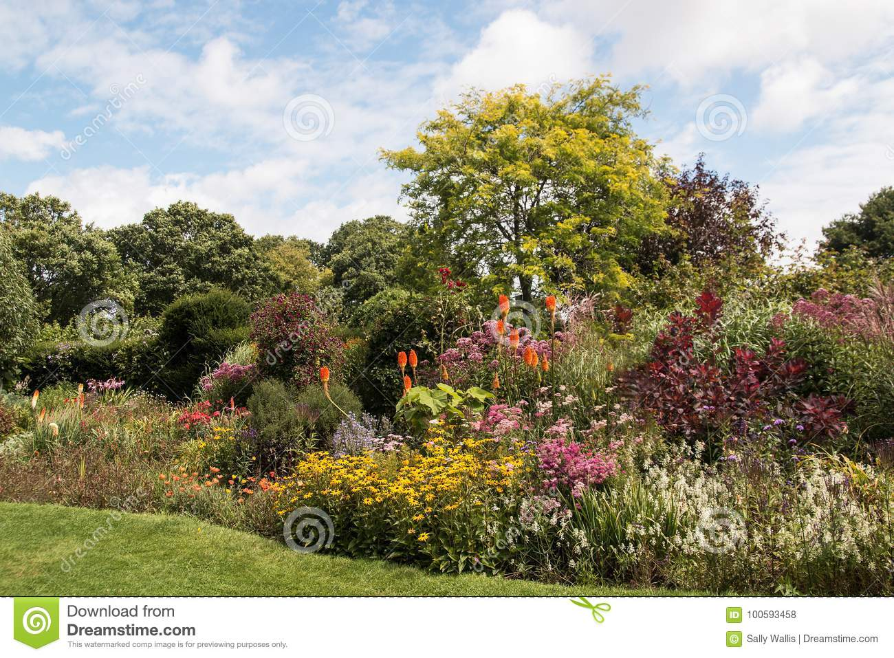 Englsi Country Garden stock photo. Image of border, clouds - 100593458