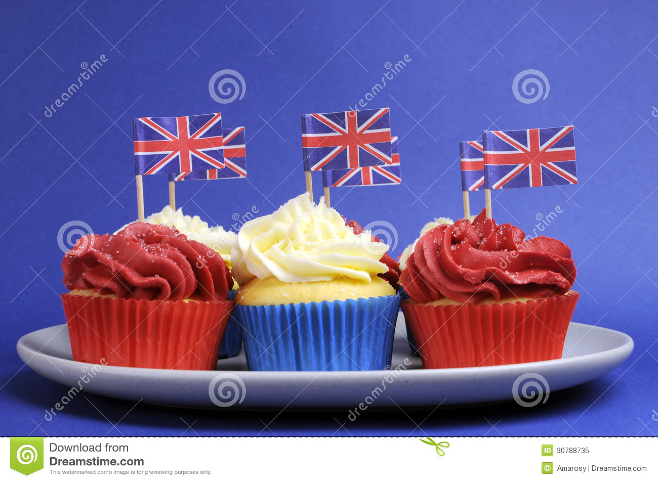 english theme red  white and blue cupcakes with great