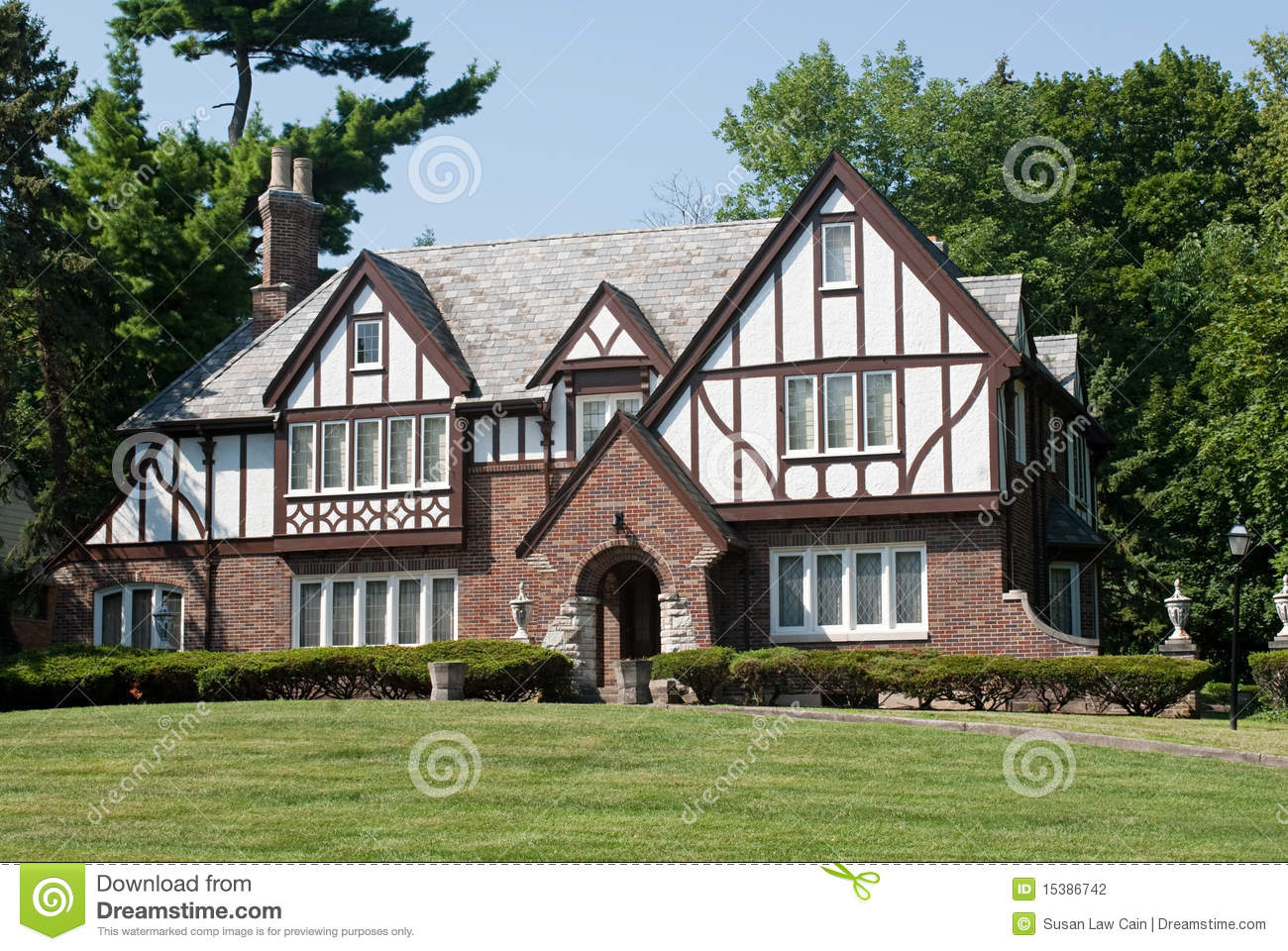 English tudor mansion stock photography image 15386742 for English tudor house plans