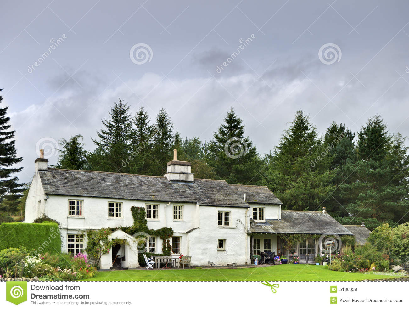 English White Cottage In Woodland Royalty Free Stock