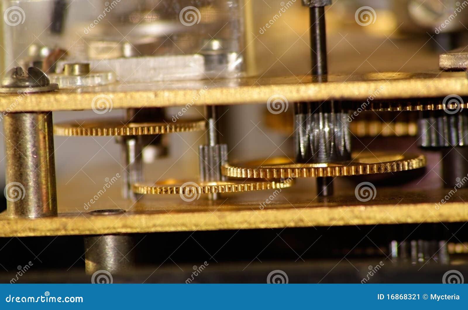 Engrenagem dourada