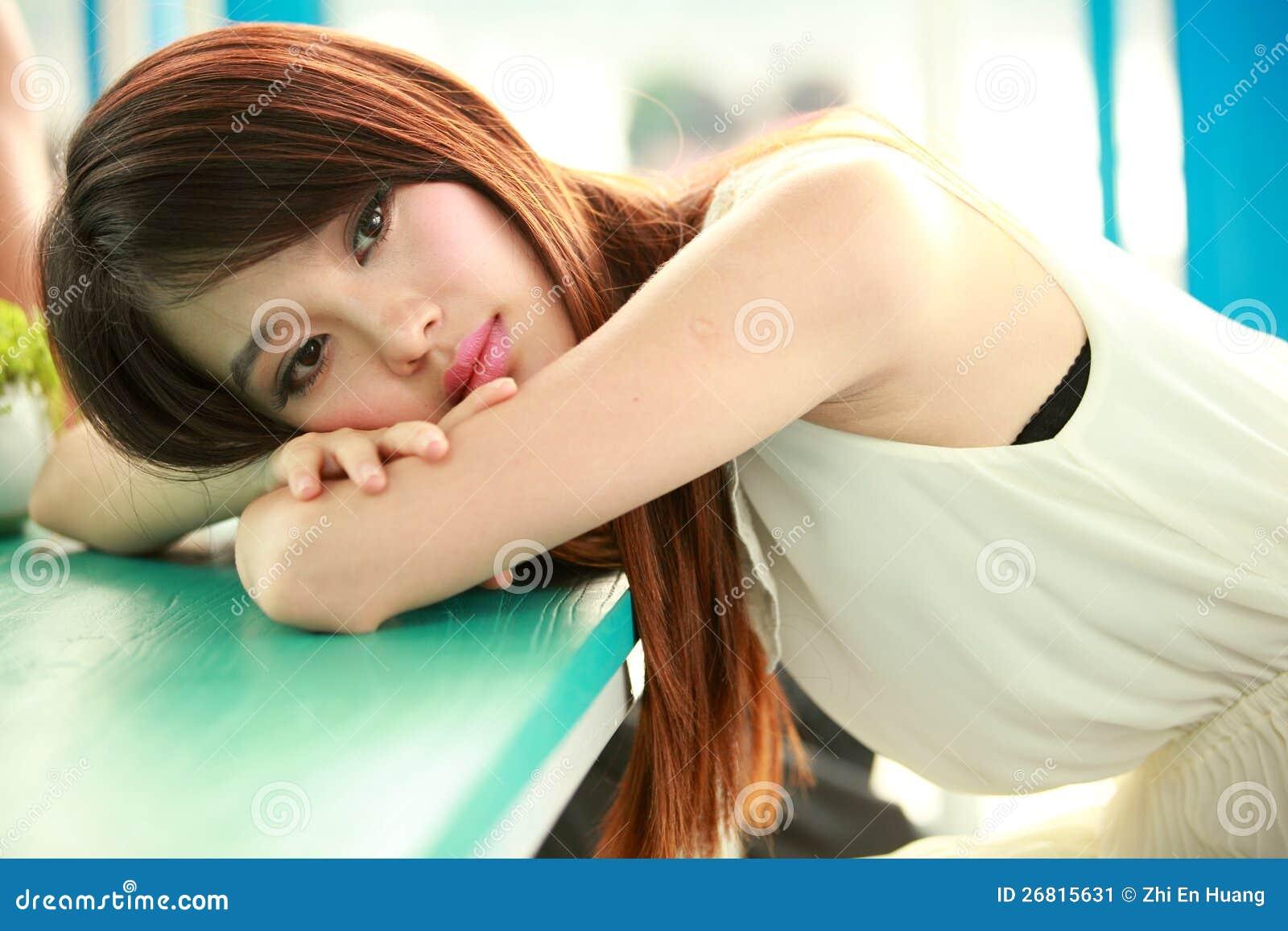 Enige jonge vrouw