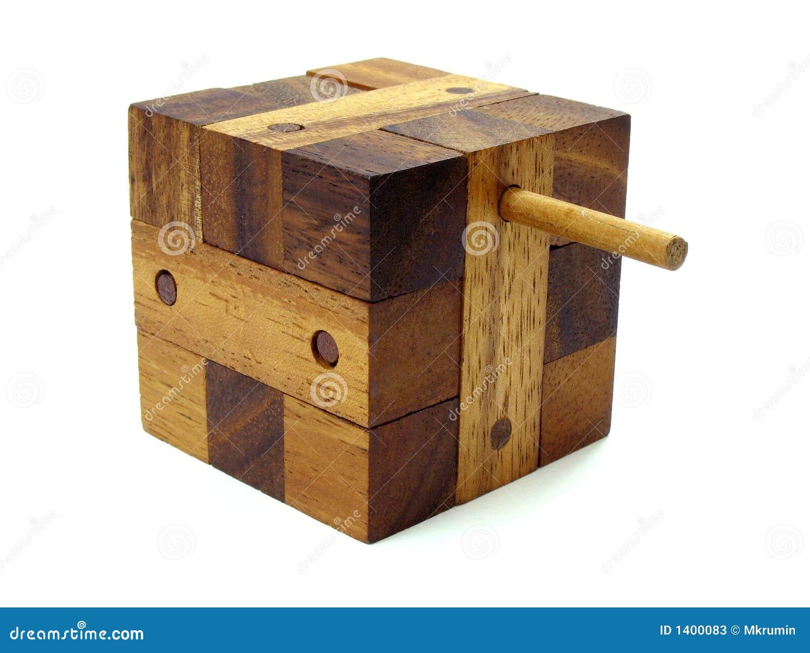 Enigma de madeira do cubo do enigma