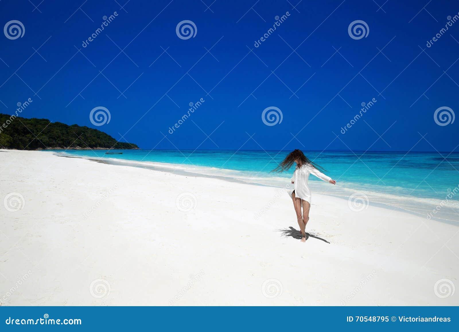 Exotic bbw island girl has fun with a big white cock - 1 3